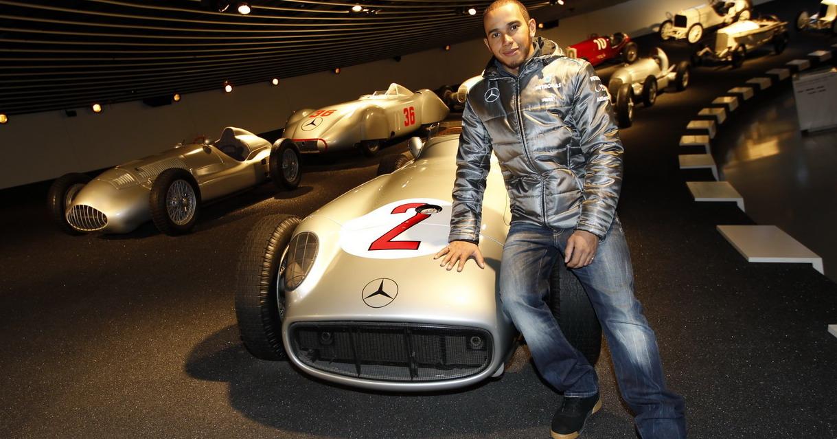 Lewis Hamilton (6)