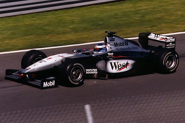 The late 90's McLaren. F1 continue to make incredible strides with new technologies available to F1. But again reliability is an issue causing Mika to retire while leading at the Luxembourg and Japanese GP.  A season and half later McLaren suffers a double DNF in the season opener in Australia.